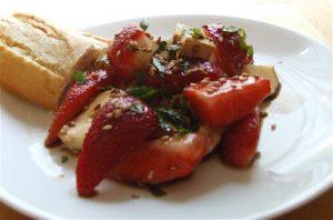 Erdbeer-Camenbert-Salat