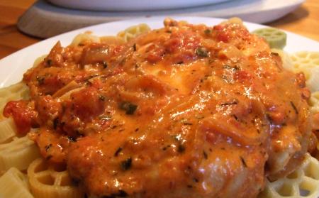 Hänchenbrust in Tomaten-Sahne-Käse-Soße