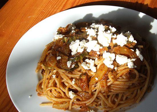 Zitronenspaghetti mit Zucchini (und Gurke)