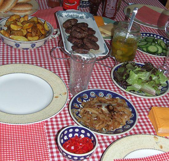 """Die gedeckte """"Hamburger-Tafel"""""""
