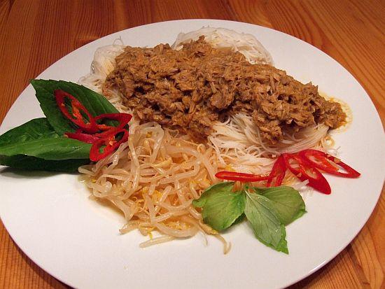 Thai-Thunfisch-Curry mit selbstgemachter Currypaste