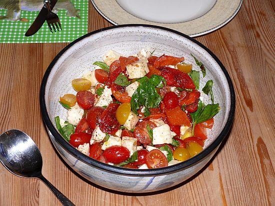Caprese-Salat mit gegrillter Paprika nach Jamie Oliver