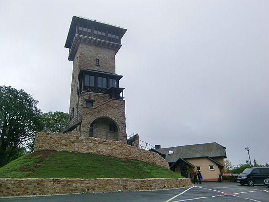 Herzbergturm und Berggasthof Herzberg (Taunus)