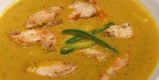 "Kürbis-Zucchini-Suppe ""Asia-style"""