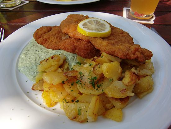 Schnitzel Wiener Art in der Roten Mühle in Bad-Soden-Altenhain