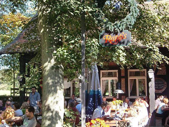 Garten der Roten Mühle in Bad-Soden-Altenhain