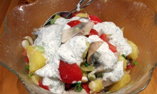 Matjes-Kartoffelsalat mit Kräutercreme