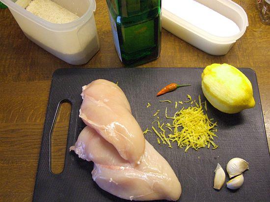 Foto: Zutaten für Hähnchenbrust mit Zitronen-Chili-Grillmarinade