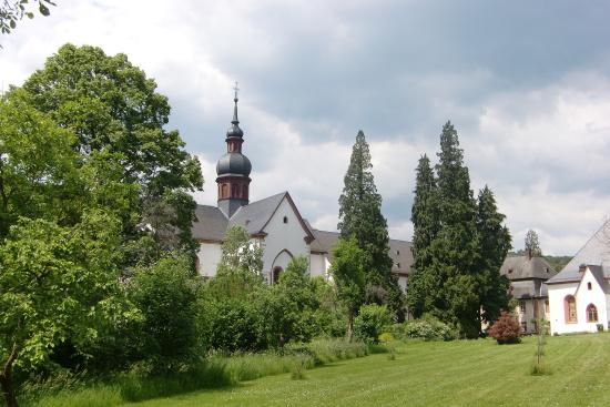 Kloster Eberbach, ein schönes Ausflugsziel im Rheingau | Lotta ...