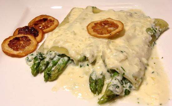 Cannelloni mit Ricotta-Spargel und Zitronenrahm