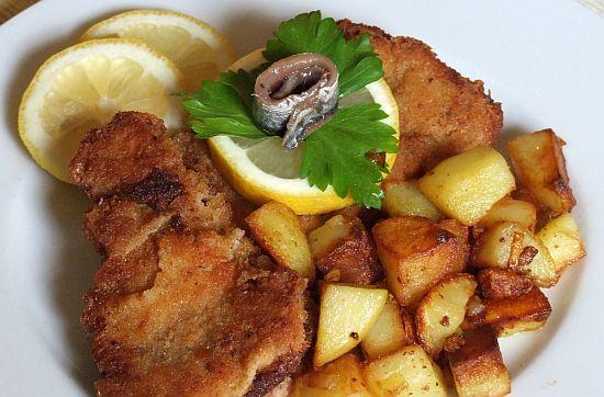 Foto Original Wiener Schnitzel (vom Kalb) mit Bratkartoffeln