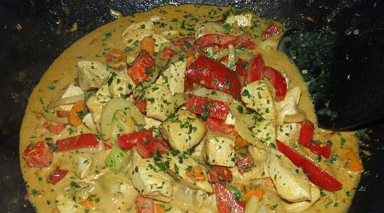 Foto Scharfes nepalesisches Hühner-Curry