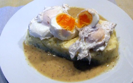 Foto: Verlorene Eier in Senfsoße (nach Alfons Schuhbeck)