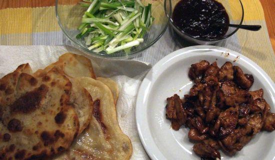 Foto: Peking-Hühnchen fertig zum Essen