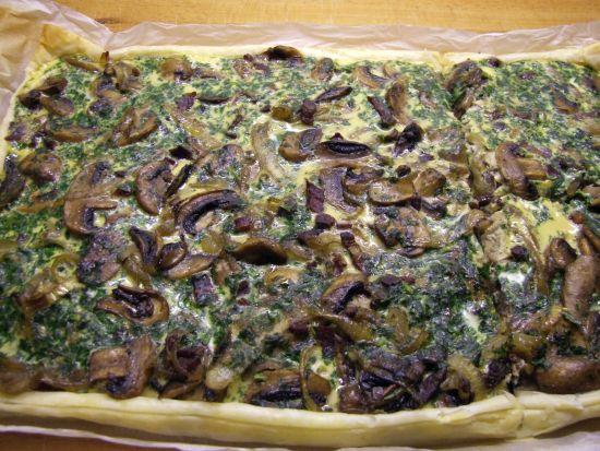 Foto: Blätterteig-Quiche- mit Champignons und Speck
