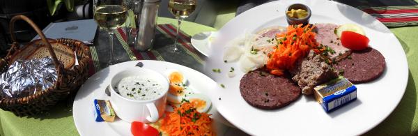 grüne-sauce-im-grünen-baum-bacharach