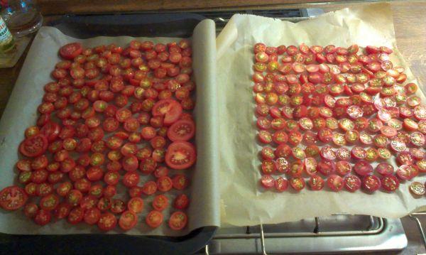 Foto: Getrocknete Tomaten selbstgemacht: fertig zum Trocknen