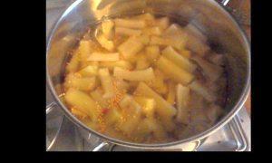 Foto: Senfgurkenstücke vor dem Kochen
