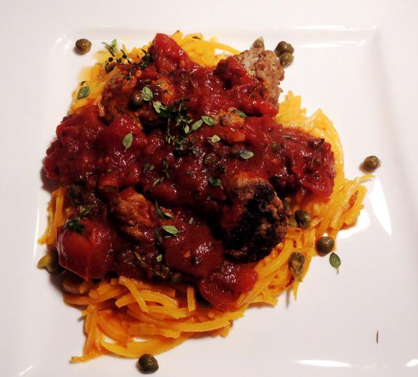 Kürbis-Spaghetti mit Hackbällchen