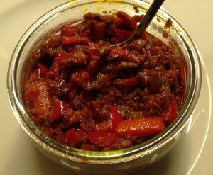 Foto Scharfes Tomaten-Oliven-Relish