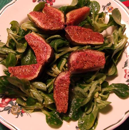 Feldsalat mit frischen Feigen