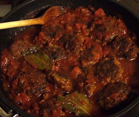 Tomatensoße mit Lammhackfleischbällchen